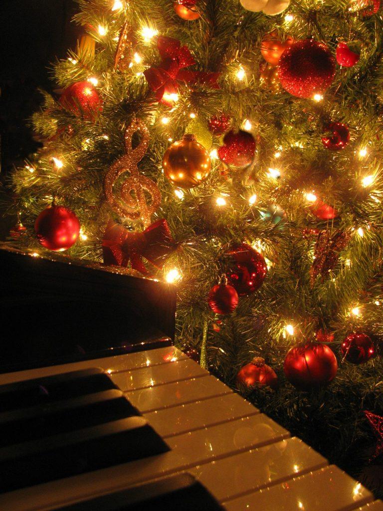 christmas-1333798_1280